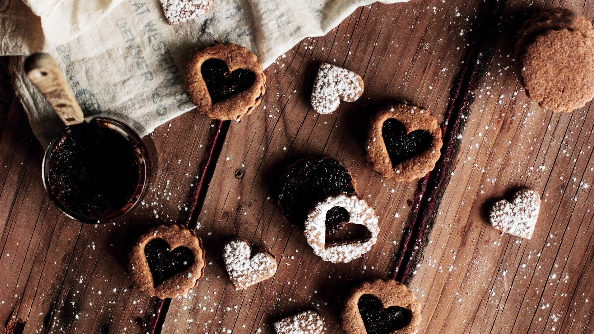 heart-shaped-cookies-19502-1920x1080
