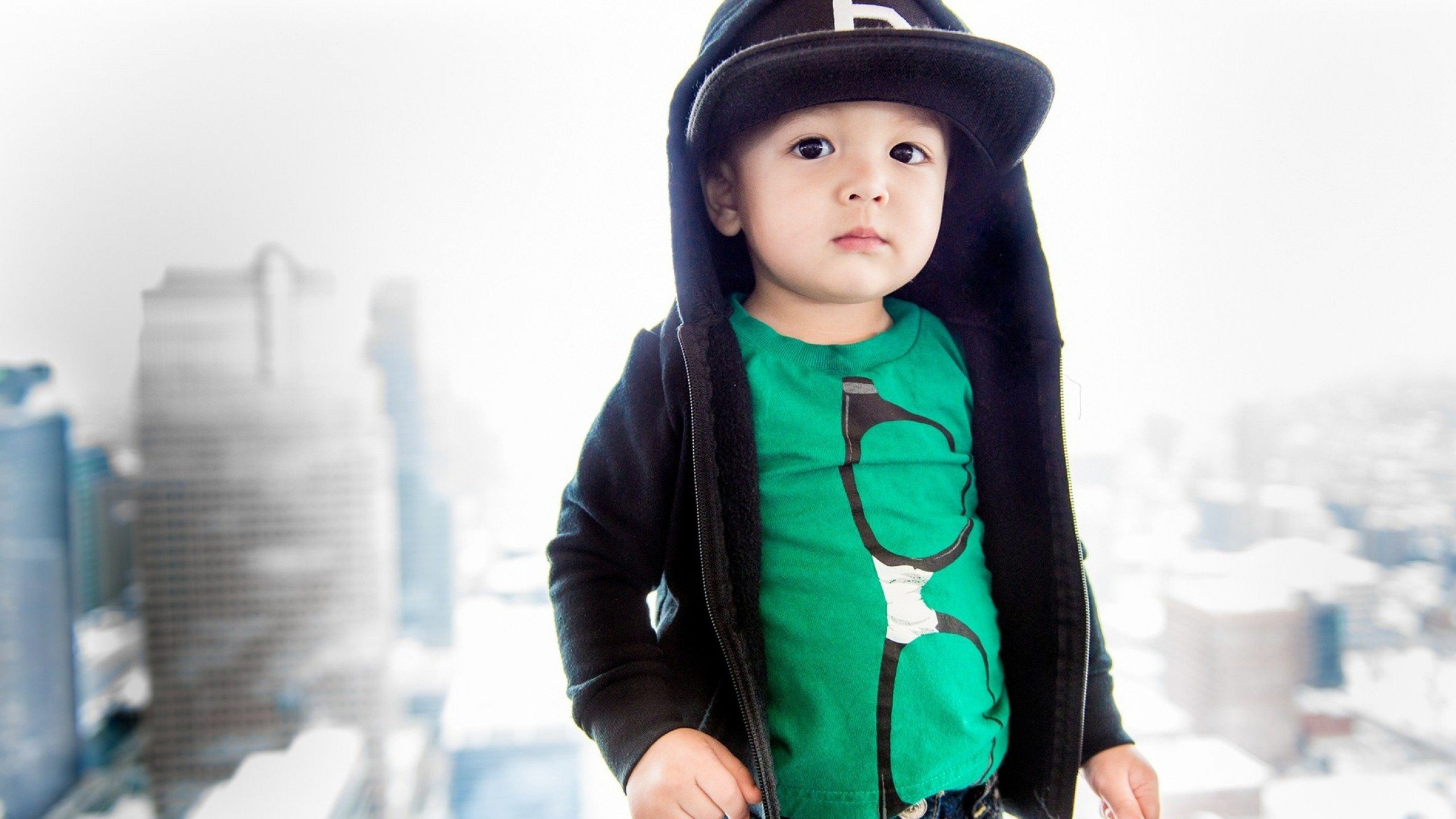 B-Cool-Stylish-Baby-Wallpaper