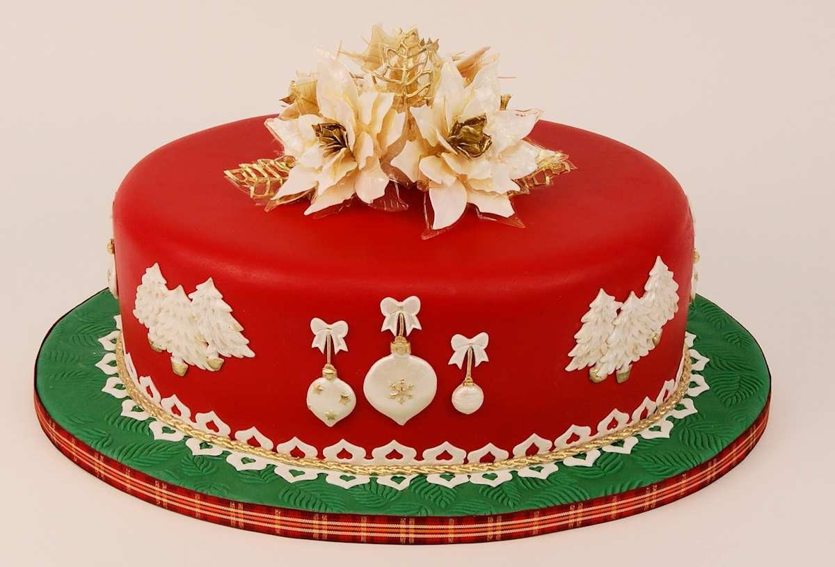 Christmas-Cake-Red-Images