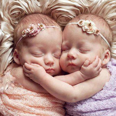 Babies Love couple Wallpaper : cute Baby Love