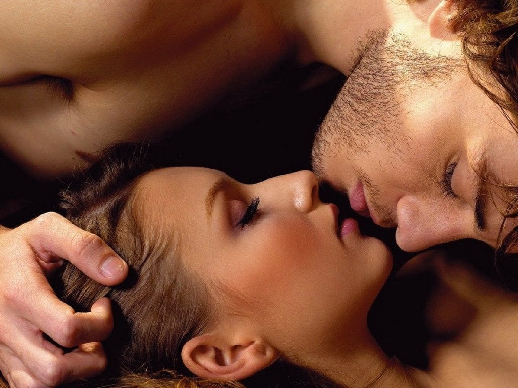 142913-couple-kissing-hd-wallpaper-free