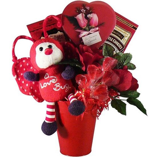 15-Amazing-Valentines-Day-Basket-Ideas-2013-For-Him-Her-7