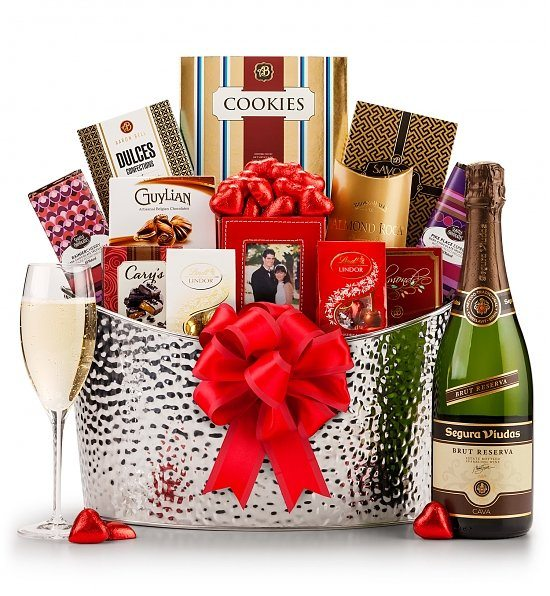 17820a_Champagne-Romance-Gourmet-Gift-Set