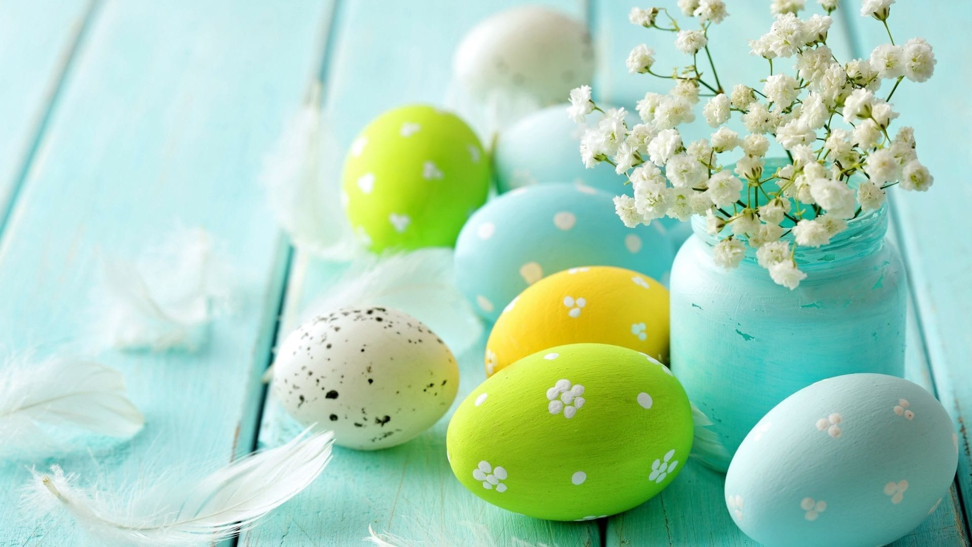 7468_Beautiful-Easter-Eggs-and-blossom-flowers-HD-wallpaper