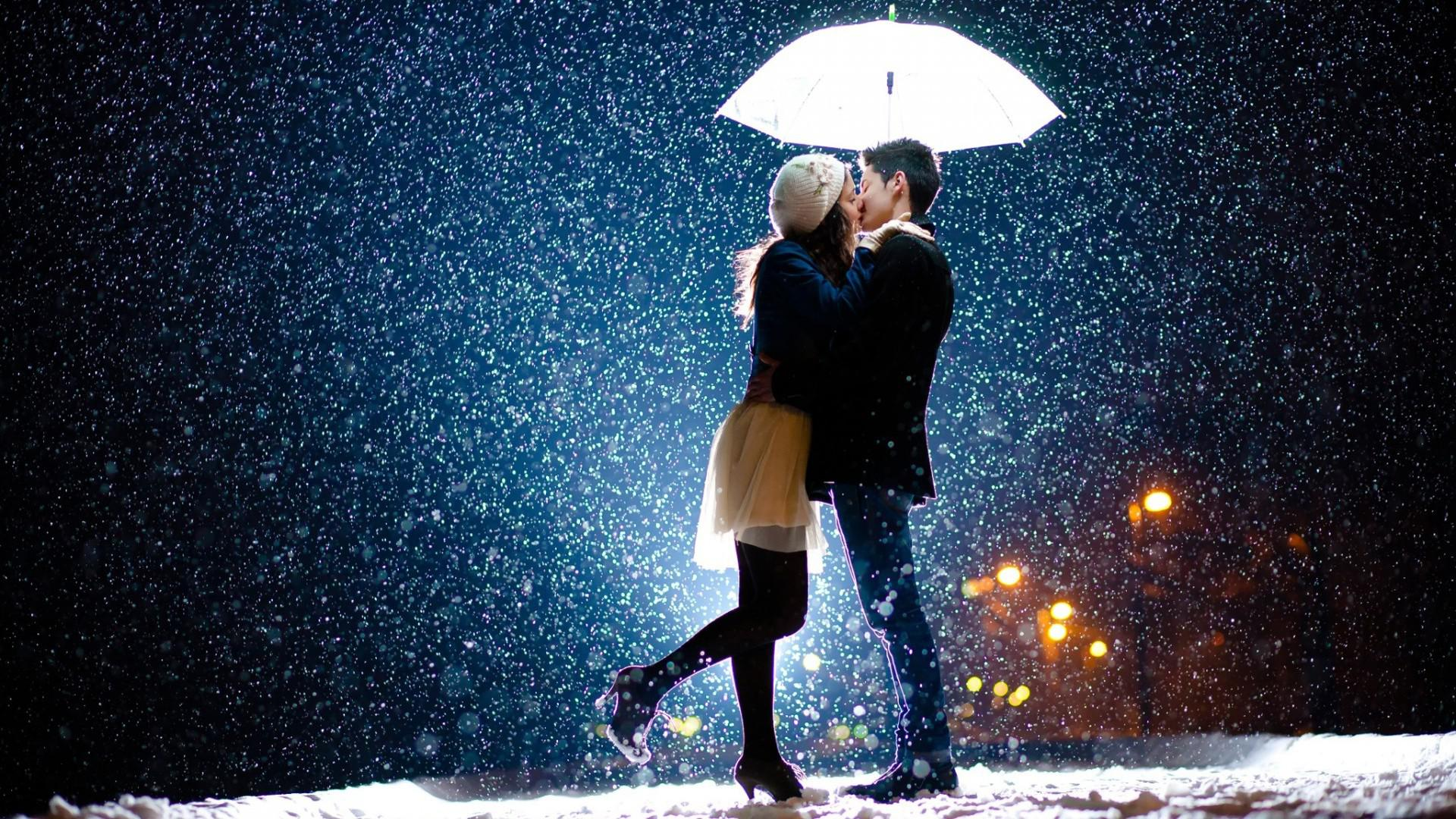 couple_snow_rain_love