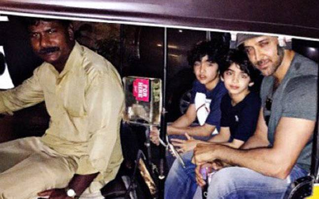 Actors Hrithik Roshan Son Hrehaan And Hridhaan Take Auto Ride For Home