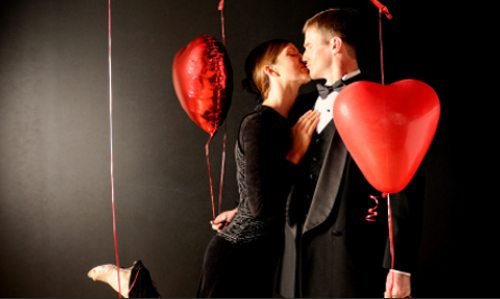 romantic-valentine-photo-shoot-with-couple-on-black-photography-backdrop1